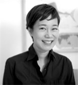 Black and white portrait photo of author Yangsze Choo