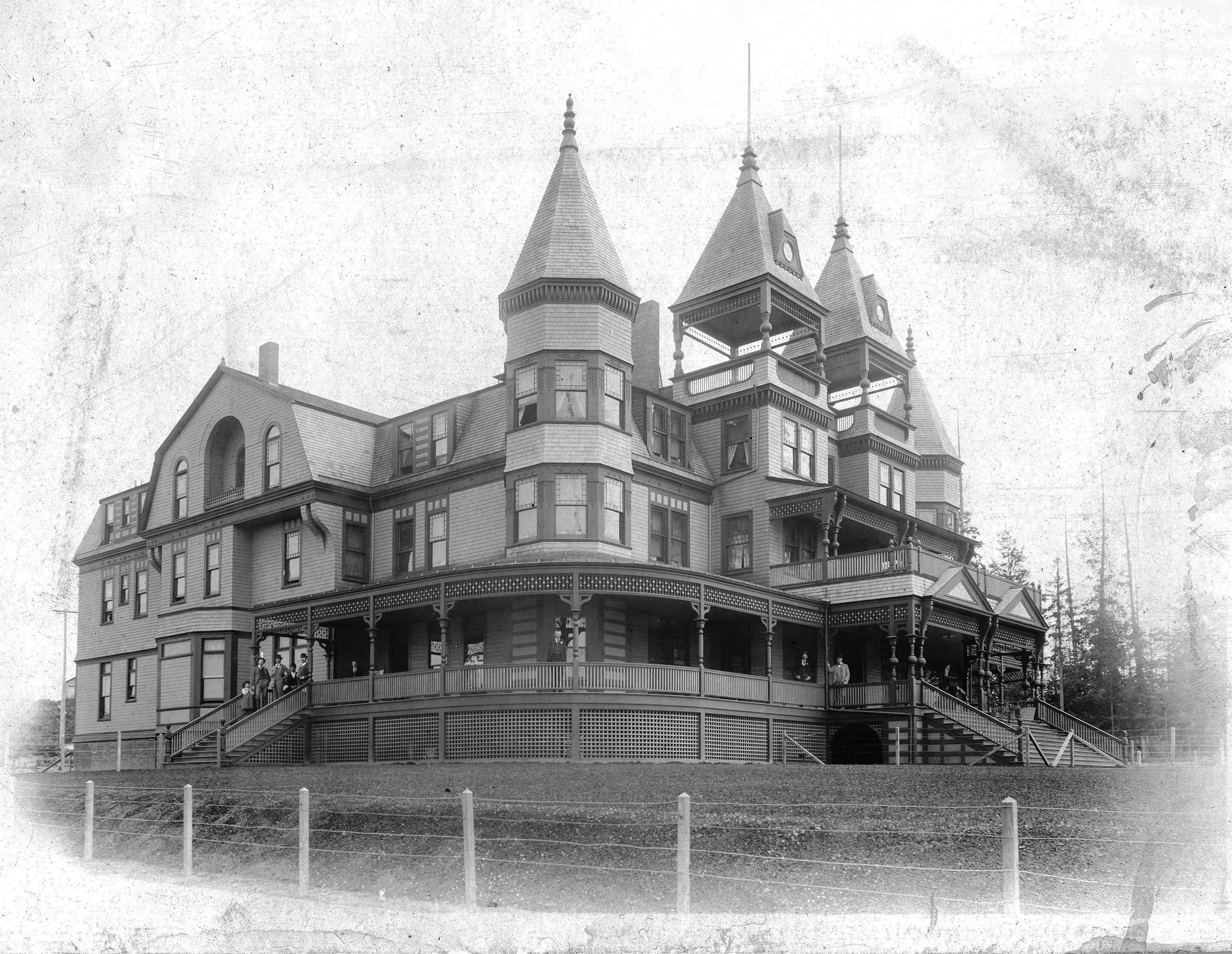 Historic image of original Monte Cristo Hotel in Everett